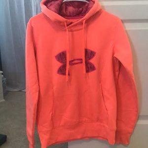 Peach under armour hoodie w/ fleece inside